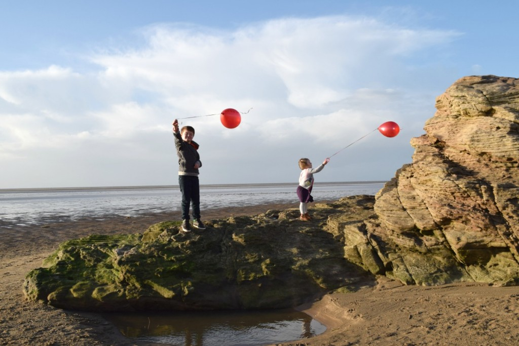 Balloons on Red Rocks http://rainbeaubelle.com