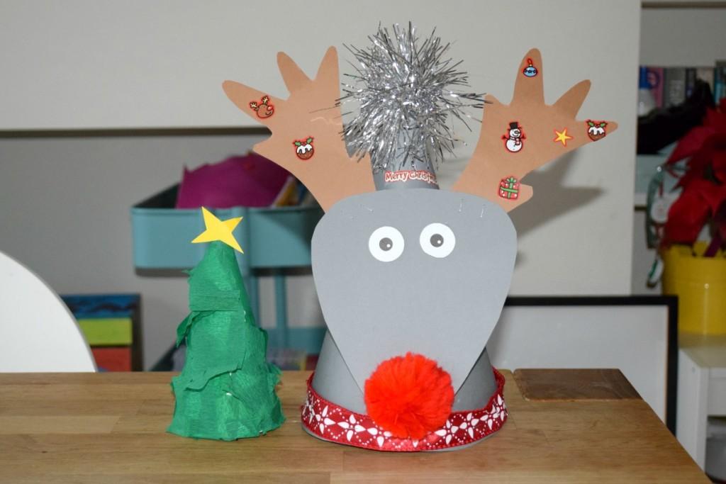 Christmas hats - http://rainbeaubelle.com