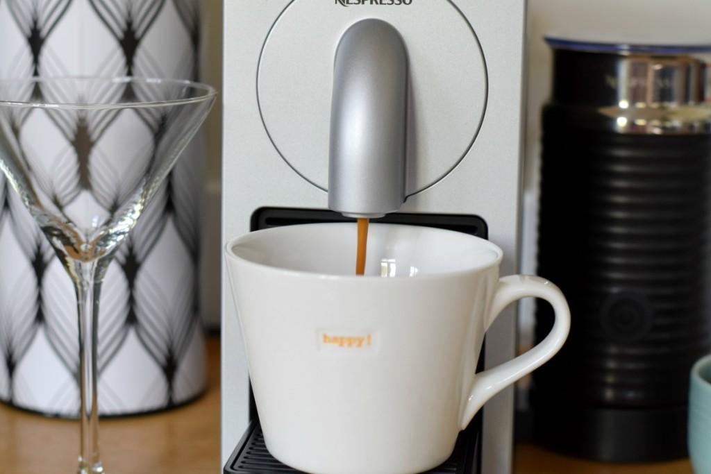 Coffee in the Nespresso machine http://rainbeaubelle.com