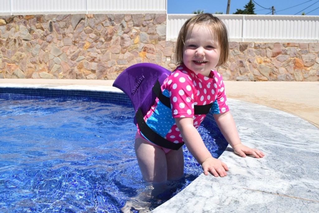 SwimFin floats, diving sticks and pool toys review