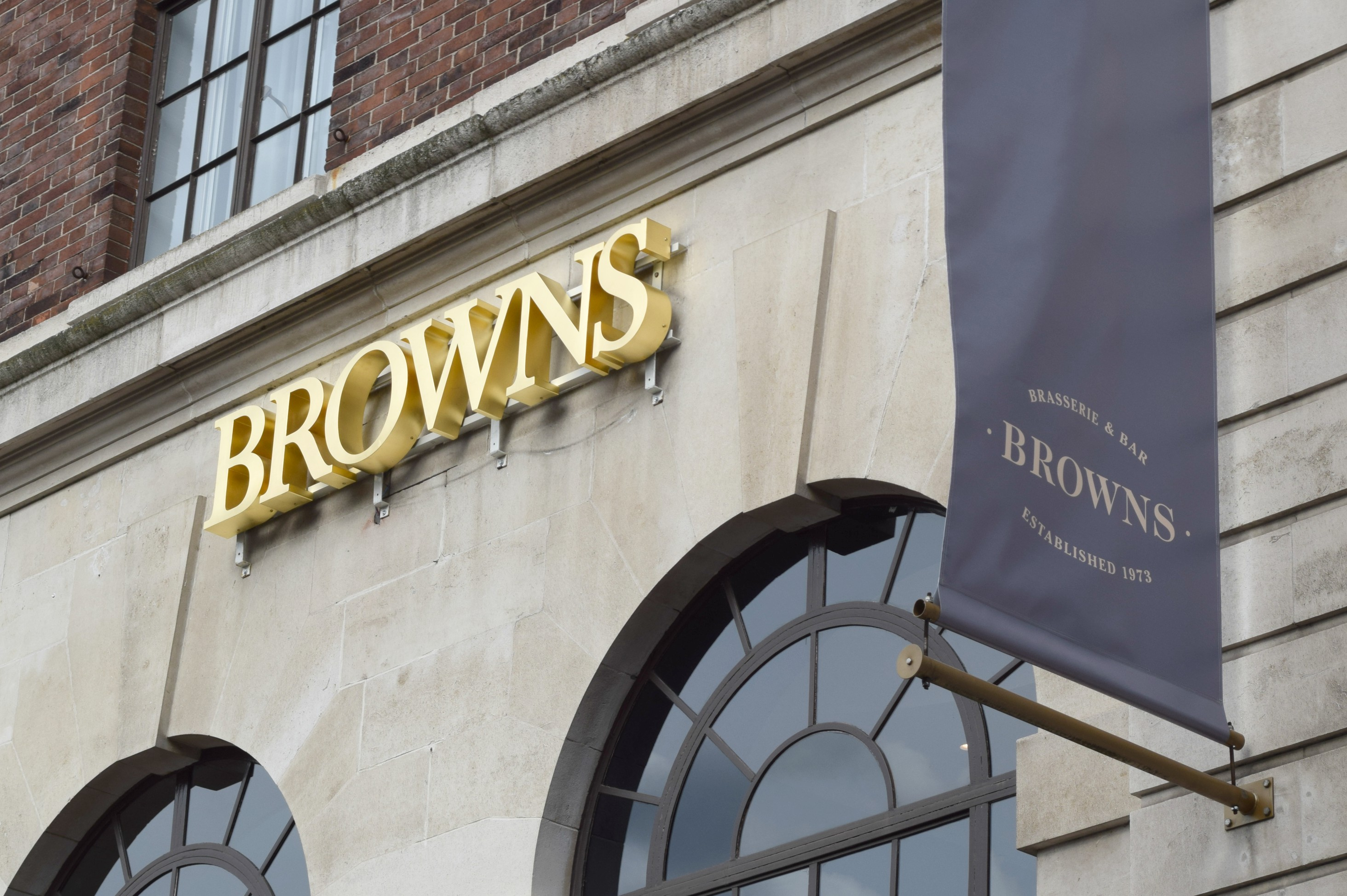 Browns Leeds sign