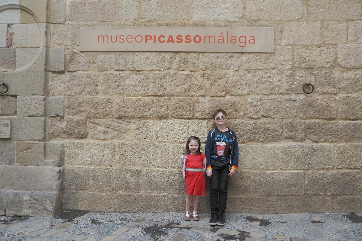 Flo and Sam at Museo Picasso malaga